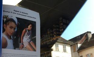 Le 29 août 2017, à Pont-de-Beauvoisin, en Isère. Des appels à témoins pour retrouver Maëlys, 9 ans, ont été placardés dans de nombreux commerces de la commune.
