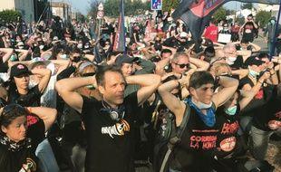 Rémi Gaillard, lors de la manifestation anti-corrida dans le Gard, dimanche.