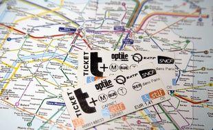 Des tickets de métro parisien.
