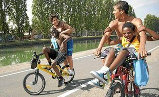 Certains jeunes acteurs du film La Cité rose sont originaires de cette banlieue.