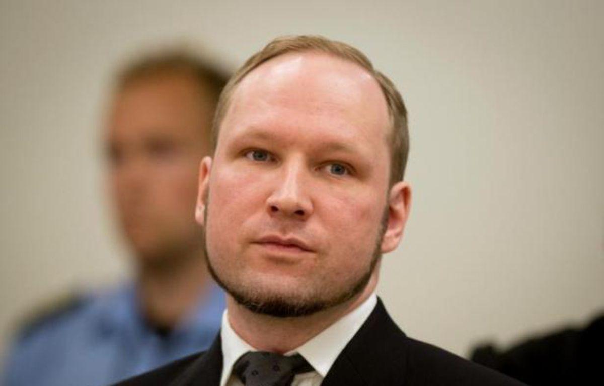 """Le tueur norvégien d'extrême droite Anders Behring Breivik menace d'entamer une grève de la faim pour obtenir une amélioration de ses conditions de détention qu'il assimile à de la """"torture"""" faute notamment d'obtenir la console de jeux voulue, dans un courrier reçu vendredi par l'AFP. – Odd Andersen AFP"""