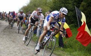 Tom Boonen et Fabian Cancellara lors du Paris-Roubaix de 13 avril 2008.