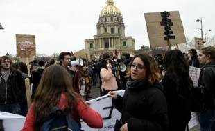 Manifestation lycéenne et étudiante contre la réforme du travail à Paris le 24 mars 2016