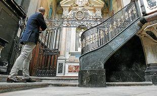 La restauration de la chapelle de la Vierge et de la chaire est terminée.
