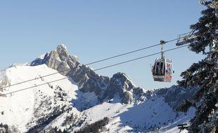 Illustration d'une télécabine sur le domaine skiable d'une station des Alpes