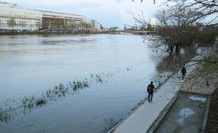 La Loire déborde sur les berges à Nantes, jeudi 1er février 2018.