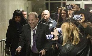 Harvey Weinstein sort du tribunal, à New York le 10 février 2020.