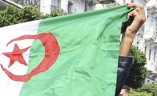 Drapeau algérien(image d'illustration).