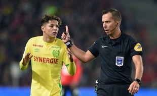 L'arbitre Johan Hamel semble avoir pris la bonne décision.