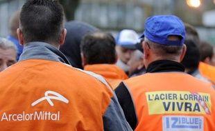 """Le Premier ministre, Jean-Marc Ayrault, a assuré lundi que le gouvernement voulait """"se battre"""" pour la reprise de l'activité sidérurgique sur le site de Florange et a apporté son soutien au projet de reprise Ulcos."""