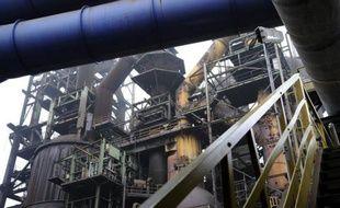 """Le sidérurgiste ArcelorMittal a affirmé jeudi n'avoir """"pas connaissance"""" des deux offres de reprise de son site de Florange (Moselle) évoquées la veille par le ministre u Redressement productif, Arnaud Montebourg."""