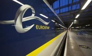 Vue d'un train Eurostar à la gare Saint-Pancras de Londres, le 13 novembre 2014