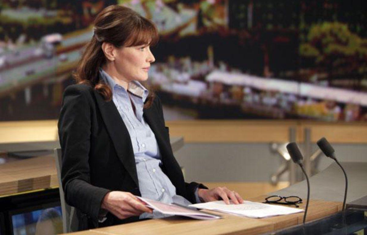 Carla Bruni-Sarkozy lors de son passage sur le plateau du 13 Heures de TF1, le 16 mai 2011.  – REUTERS/Thibault Camus/Pool
