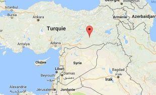 Au moins six civils ont été tués dans deux attaques simultanées à la bombe ce mercredi dans le sud-est du pays.