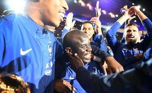 N'Golo Kanté avec ses partenaires de l'équipe de France lors de la fête organisée au Stade de France pour la victoire en Coupe du monde, le 10 septembre 2018.