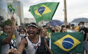 Bolsonaro et sa gestion du coronavirus divise toujours plus le Brésil
