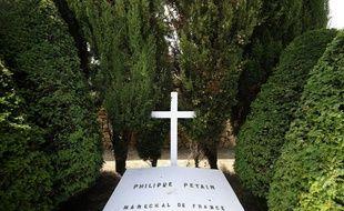 La tombe du maréchal Pétain, sur l'île d'Yeu.