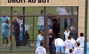 Au lendemain d'une perquisition au siège administratif du club marseillais dans le cadre d'un ancien dossier d'extorsion de fonds, la direction de l'OM a annoncé jeudi que le club entendait se constituer partie civile.