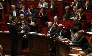 Le Premier ministre Manuel Valls s'adresse aux députés, le 26 janvier 2016 à l'Assemblée, à Paris