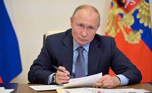 Vladimir Poutine a exhorté les Russes à « être responsables ».
