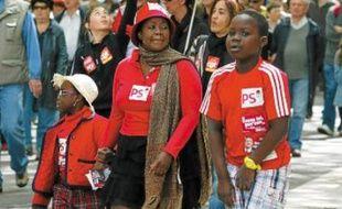 Beaucoup de Lyonnais ont défilé mardi matin, accompagnés de leurs enfants.