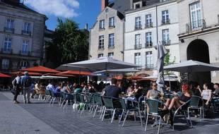 Les terrasses des bars de la place du Bouffay à Nantes (illustration)