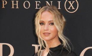 Jennifer Lawrence est dégoutée d'avoir raté son enterrement de vie de jeune fille...