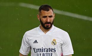 Positif au Covid-19, Karim Benzema devra patienter avant de retrouver ses coéquipiers du Real Madrid.