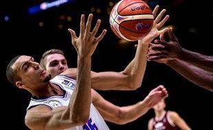 Rudy Gobert lors du quart de finale de l'Eurobasket France-Lettonie, le 15 septembre 2015 à Lille.