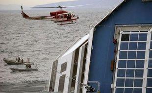 Quatorze Allemands figurent parmi les 29 disparus recherchés après le naufrage du navire de croisière Costa Concordia, devant l'île du Giglio en Toscane, a indiqué mardi à l'AFP le porte-parole des garde-côtes, Filippo Marini.