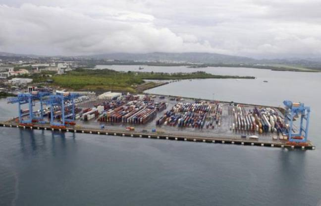 Martinique 8 me jour de blocage du port de fort de france for Chambre de commerce martinique