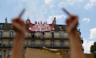 Génération Identitaire avait déployé une banderole au dessus de la manifestation contre le racisme