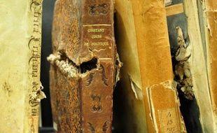 """Guerres, inondations, rats ou termites, l'Institut de la pathologie du livre de Rome offre depuis plus de 70 ans son savoir-faire pour """"soigner"""" les livres et écrits précieux endommagés par des évènements en tous genres ou pour expertiser une oeuvre."""