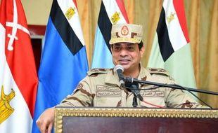 Photo fournie par la présidence egyptienne du chef d'Etat Abdel Fattah al-Sissi, le 4 juillet 2015 s'adressant aux soldats lors d'une visite dans le Sinaï
