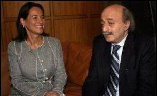 La candidate socialiste à l'élection présidentielle de 2007 en France, Ségolène Royal, est arrivée jeudi au Liban pour une visite de deux jours, son premier déplacement à l'étranger depuis son investiture.