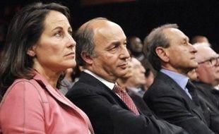 """L'ancien Premier ministre Laurent Fabius a jugé lundi """"tout à fait surréaliste"""" le débat sur le libéralisme au sein du Parti socialiste voyant """"un peu de tactique"""" dans l'affrontement à ce sujet entre Bertrand Delanoë et Ségolène Royal."""