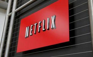 Le logo de Netflix affiché sur la façade de son siège social, le 13 avril 2011 à Los Gatos, en Californie
