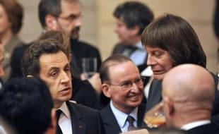 La guerre est déclarée entre Nicolas Sarkozy et la CGT: le président-candidat multiplie les accusations contre la centrale de Bernard Thibault qui, sorti de sa neutralité, diffuse à un million d'exemplaires des tracts pour appeler à voter contre lui le 22 avril.