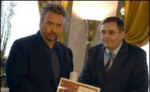 Le metteur en scène français Luc Besson a reçu jeudi le Sceau d'or de la Cinémathèque serbe pour son oeuvre cinématographique.