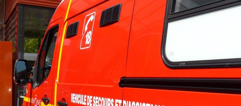 Illustration d'un véhicule des pompiers.