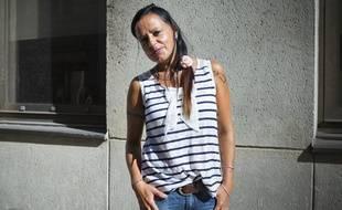 Anne, 40 ans, vit seule avec ses deux enfants et un salaire.