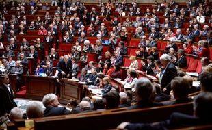 """Jean-Marc Ayrault a fait la promotion mardi à l'Assemblée nationale de la première année du quinquennat de François Hollande qui a permis, selon lui, de """"forger les armes"""" pour mener la """"bataille"""" pour l'emploi."""