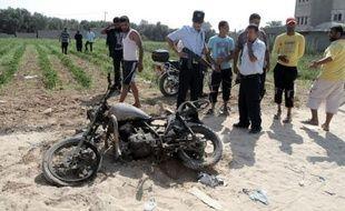 Six Palestiniens ont été tués en 24 heures dans la bande de Gaza dans des raids aériens israéliens visant des auteurs présumés d'attaques, amenant le mouvement Hamas à sortir de sa réserve en tirant une dizaine de roquettes contre Israël.