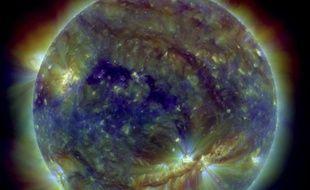 Orages magnétiques, éruptions solaires : après une accalmie prolongée, le soleil doit atteindre un nouveau pic d'activité d'ici 2013, avec des risques accrus pour les satellites orbitant à haute altitude, que les constructeurs prennent en compte.