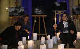 Après la mort de trois femmes des suites de violences en moins d'une semaine au Liban, une veillée a été organisée à Beyrouth le 23 décembre 2017.