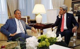 Moscou insistait mardi pour livrer des missiles à la Syrie, au grand dam d'Israël, alors que les risques d'une contagion du conflit à la région semblaient de plus en plus importants.