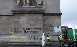 L'arc de Triomphe a été saccagé samedi 1er décembre lors du troisième rassemblement des «gilets jaunes» à Paris.