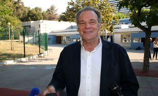 Renaud Muselier avant de voter pour le second tour des élections régionales en Paca