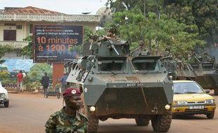 Un convoi militaire Français à Bangui, en Centrafrique, le 25 novembre 2013.
