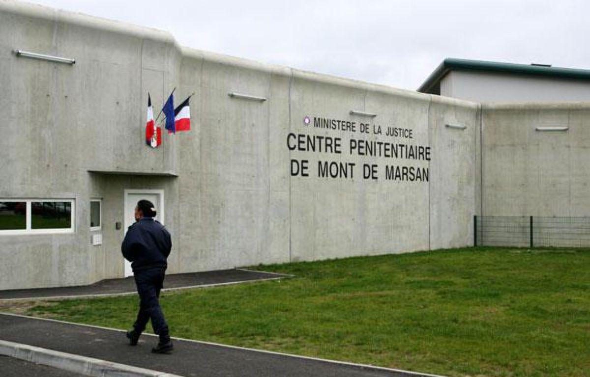 trois d 233 tenus se suicident 224 la prison de mont de marsan